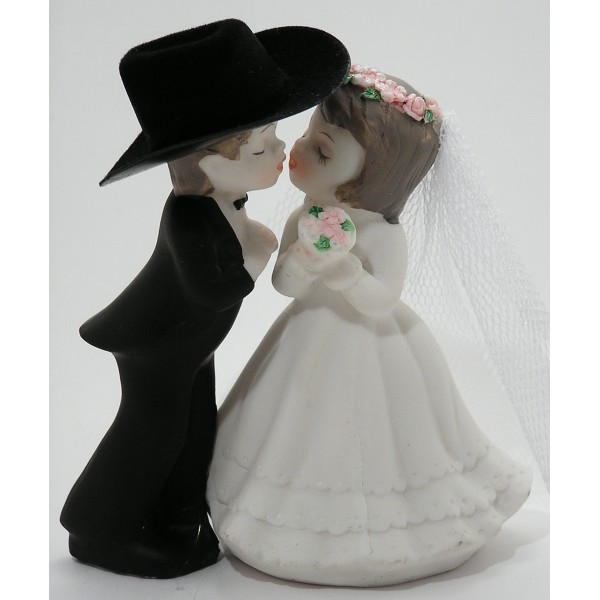 "4-1/8"" Kissing Couple Cake Top"